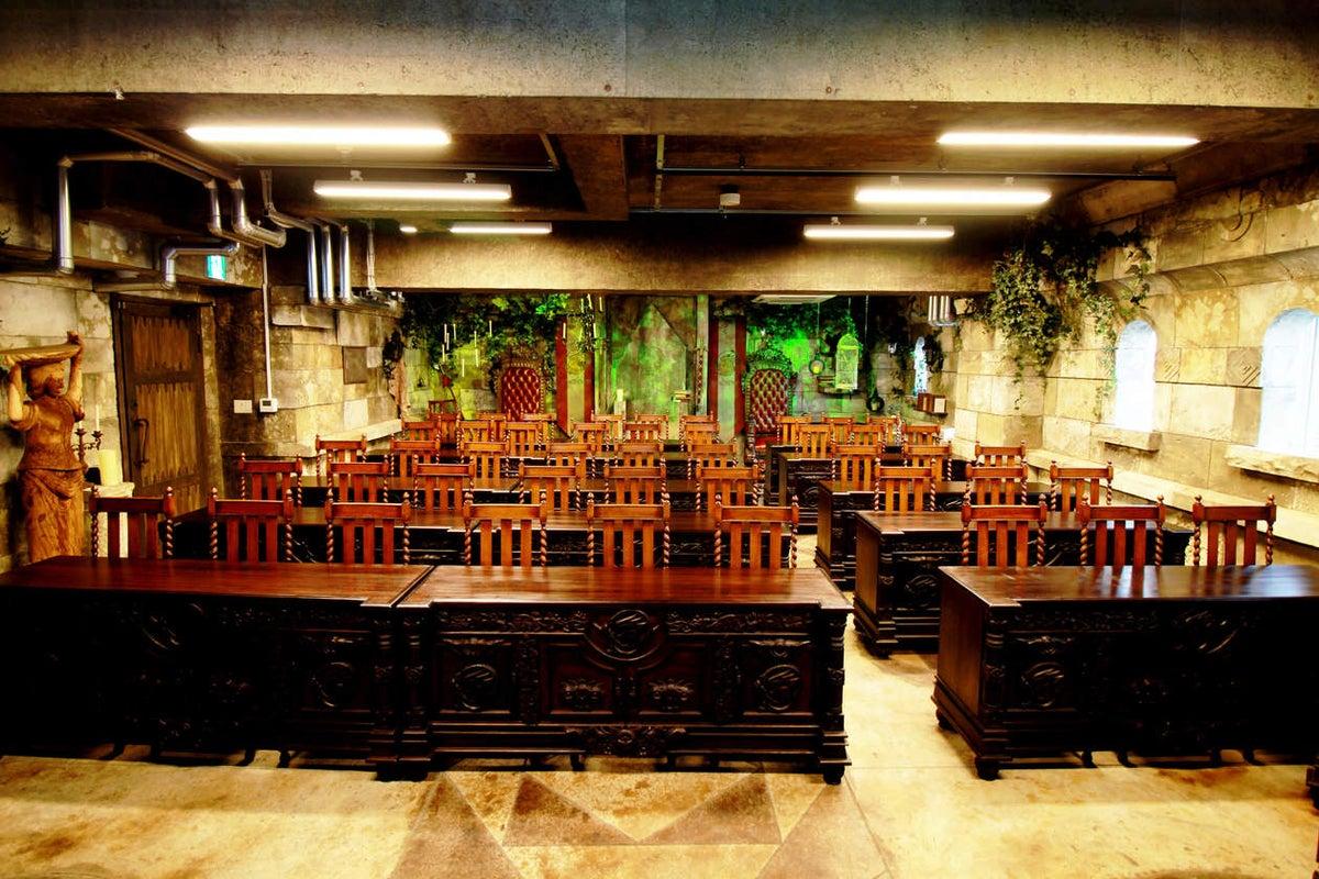 【秋葉原徒歩1分】TV収録やCM撮影にも使われる、内装費1億円の魔法学校でオフサイトミーティング、イベント、撮影、パーティも! の写真