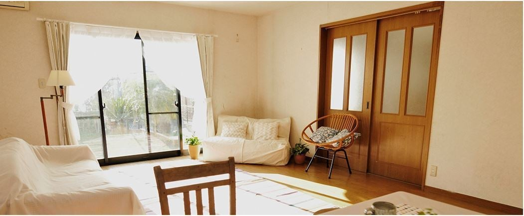 自然の光溢れる 広い庭付一軒家 ハウススタジオ 1階、キッチン付き 庭30坪  の写真