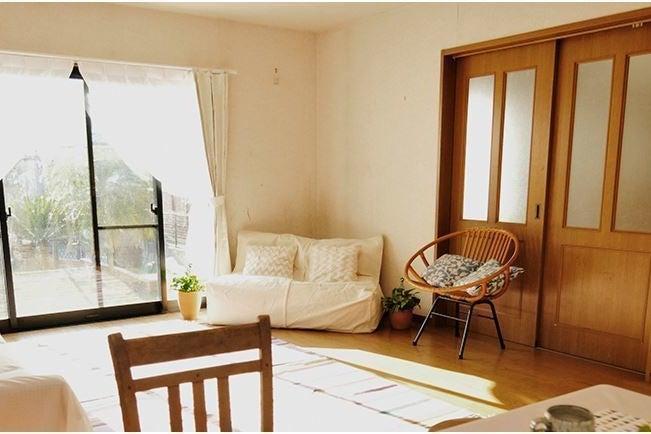 自然の光溢れる 広い庭付一軒家 1階  90坪に建物95㎡ キッチン付き 庭30坪  の写真