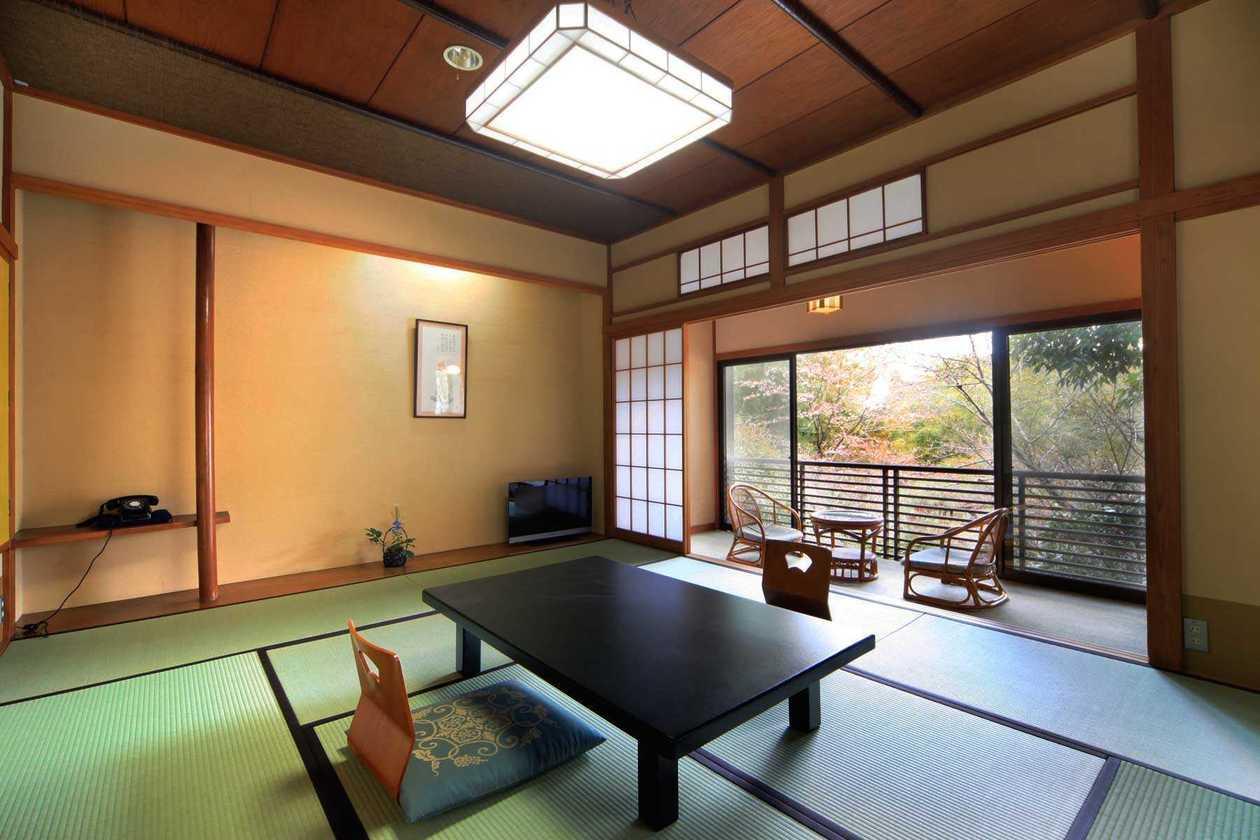 撮影限定 明治時代の雰囲気をそのまま残した和庭園が見える純和風客室(鶴巻温泉 元湯 陣屋) の写真0