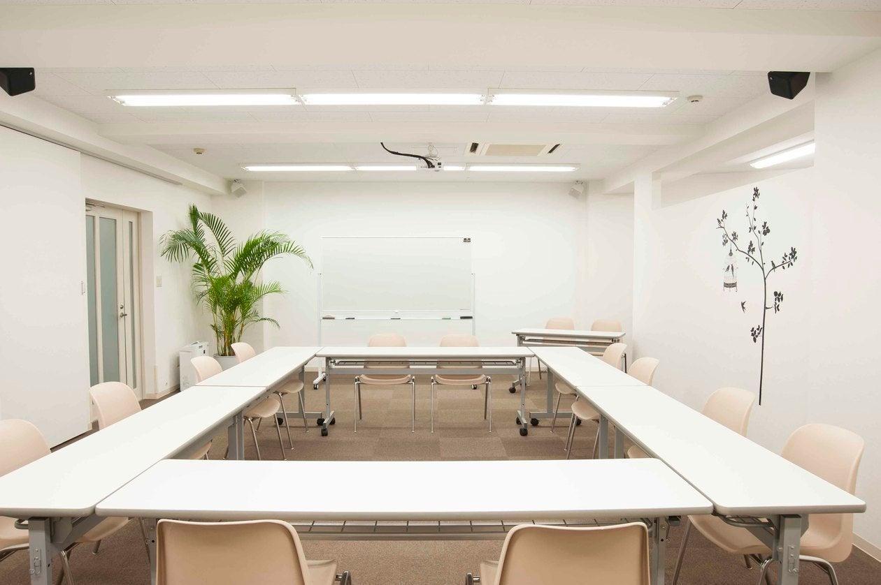 講師の控えスペース有!新宿区下落合・音響設備が充実!一室貸切で集中できる環境で講座やセミナー、撮影・控室・イベント開催に大人気!