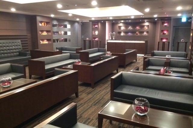 南浦和駅 徒歩8分 送迎バスあり ハイレベルな空間で企業イベント可能 個室 最大41名 プレミアムラウンジ の写真