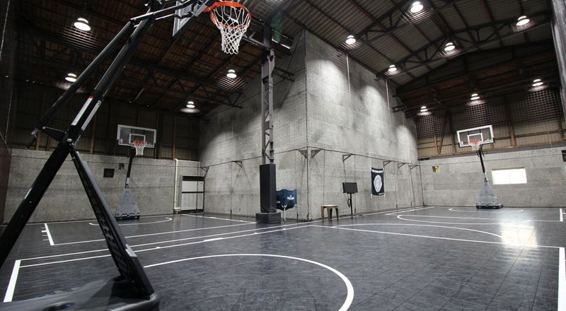 【川崎廃墟ビルでスポーツしよう】倉庫を改装したバスケットボールコートをまるごと貸切 スポーツ・ダンス・卓球・発表会・撮影に!