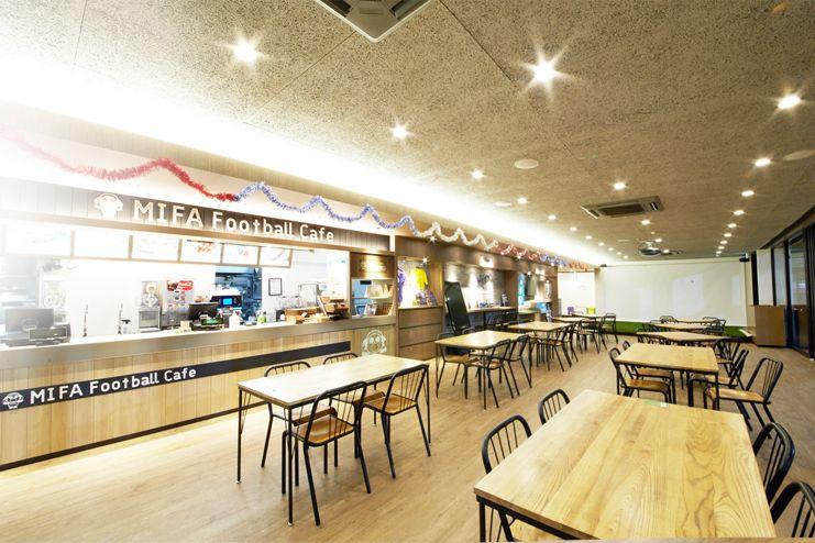 広々デッキテラス付 キッズルーム完備のカフェスペースでイベント、ワークショップ、パーティはいかが?(MIFA Football Park) の写真0