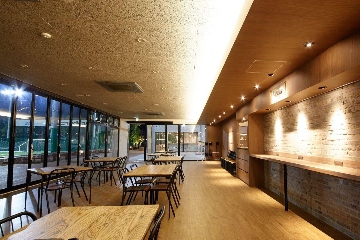広々デッキテラス付 キッズルーム完備のカフェスペースでイベント、ワークショップ、パーティはいかが? の写真