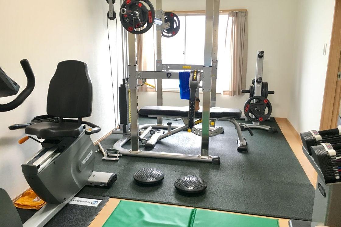アパートの一室をリノベーションした本格的なトレーニングジム 気楽にトレーニングしたい方やトレーナーにおすすめ <無料駐車場完備> の写真