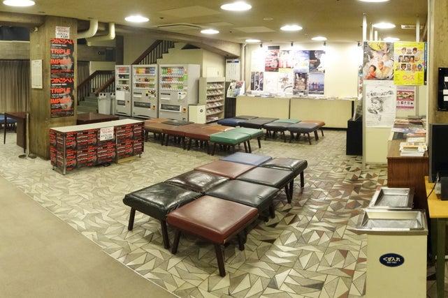 【新宿駅から徒歩5分】開放感のある紀伊國屋ホールのホワイエで、ミーティングはいかがでしょうか? の写真