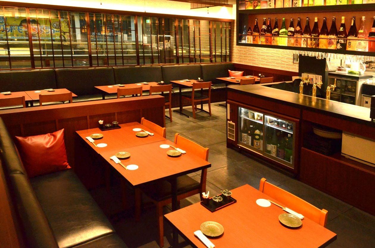 お洒落な酒蔵レストランを貸し切って(店内一部)宴会はいかがでしょうか♪ / 博多 パーティー 宴会(酒蔵レストラン たから) の写真0
