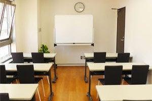 【川崎】白と黒を基調とした貸会議室(Room2) の写真