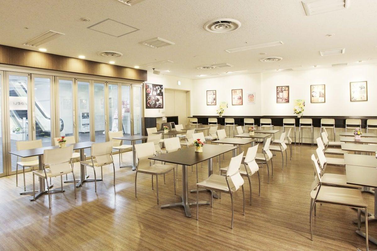 新宿 清潔感があり落ち着いた雰囲気のスペース 懇親会などの利用で人気です【新宿西口DELi-style】 の写真