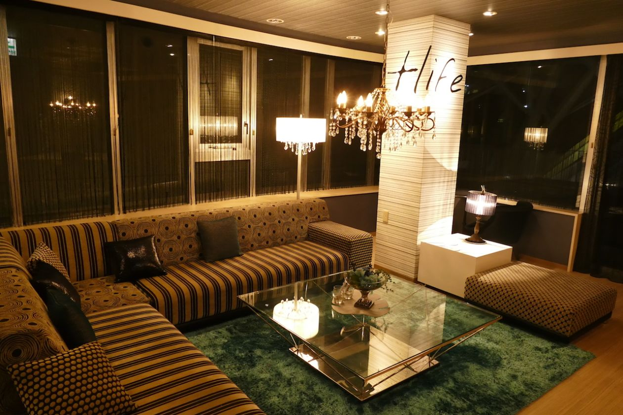 【香川・高松】ラグジュアリーなcafeスペース(パーティーやイベント使用に最適/貸切)(L'Cafe TAKAMATSU(エルカフェタカマツ)) の写真0