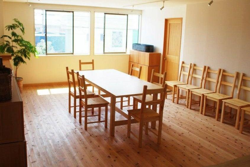 日当たり抜群・日光が気持ちの良いキッチン付きレンタルスペース の写真
