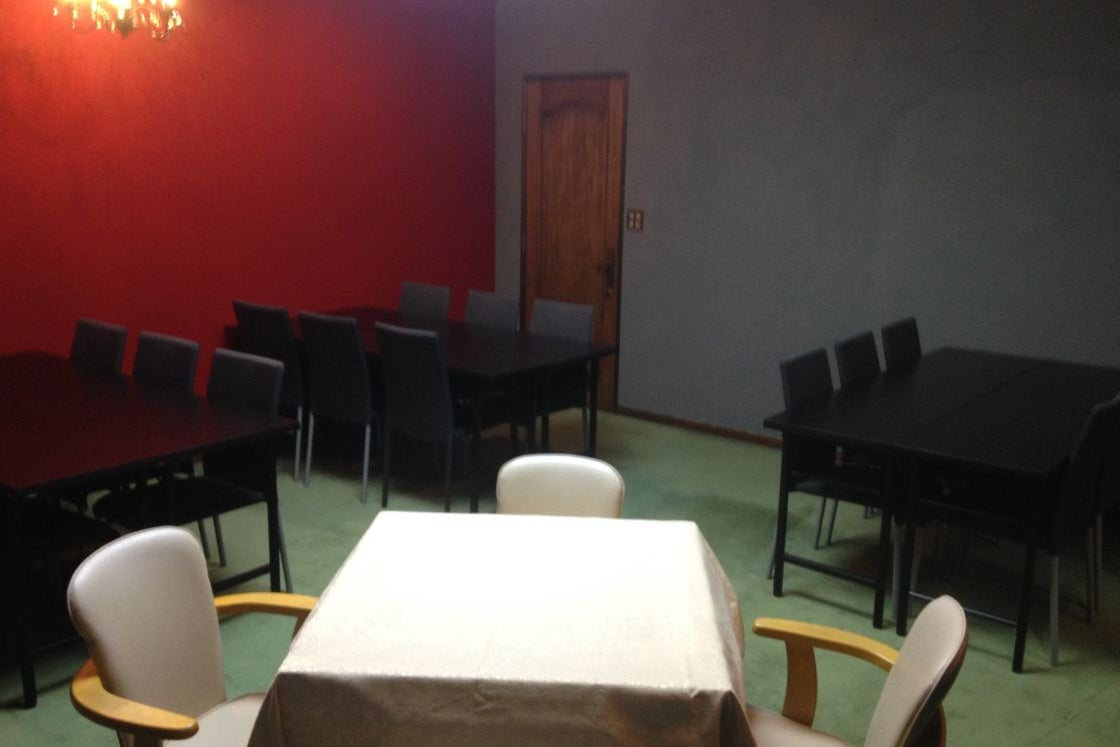 D【なんば駅徒歩5分】24時間営業の一軒家  15帖の洋室 全自動麻雀卓付 ゲームイベントや大会、パーティにおすすめ ルームD の写真