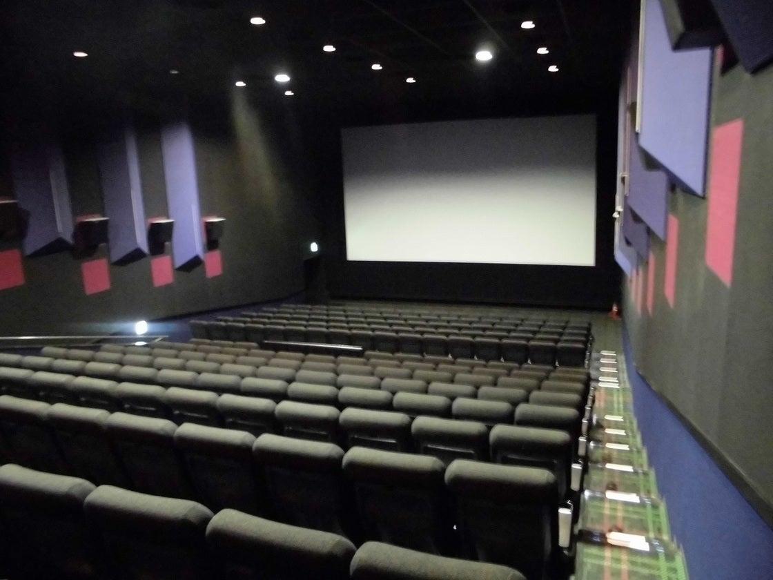 MOVIX亀有 シアター8 / 説明会や各種上映会を映画館の大スクリーンで!