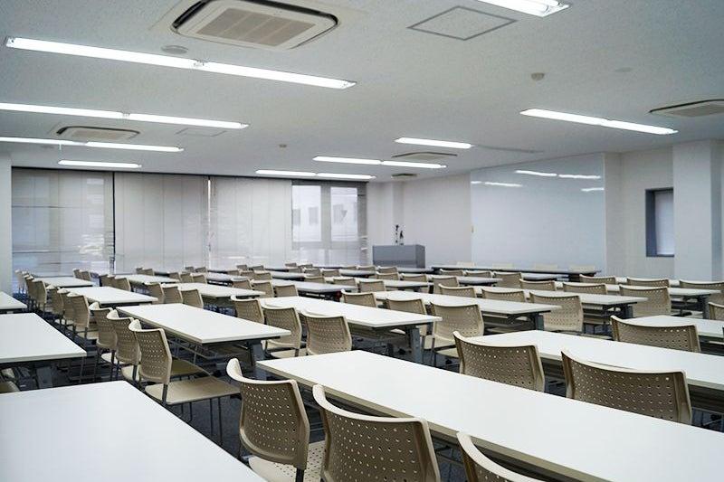 【名古屋駅徒歩5分】駅近☆24時間365日ご利用可能☆Wi-Fi無料 3F大会議室 100名 の写真