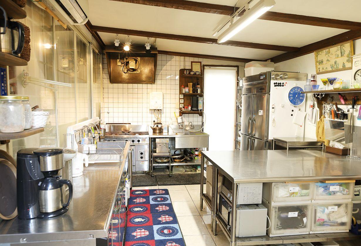 本格的なフレンチ料理も可能な調理機材と食卓を飾る豊富な種類の食器・ナイフ・グラス類!!パーティや宴会も万全です!(StudioFunFULL) の写真0
