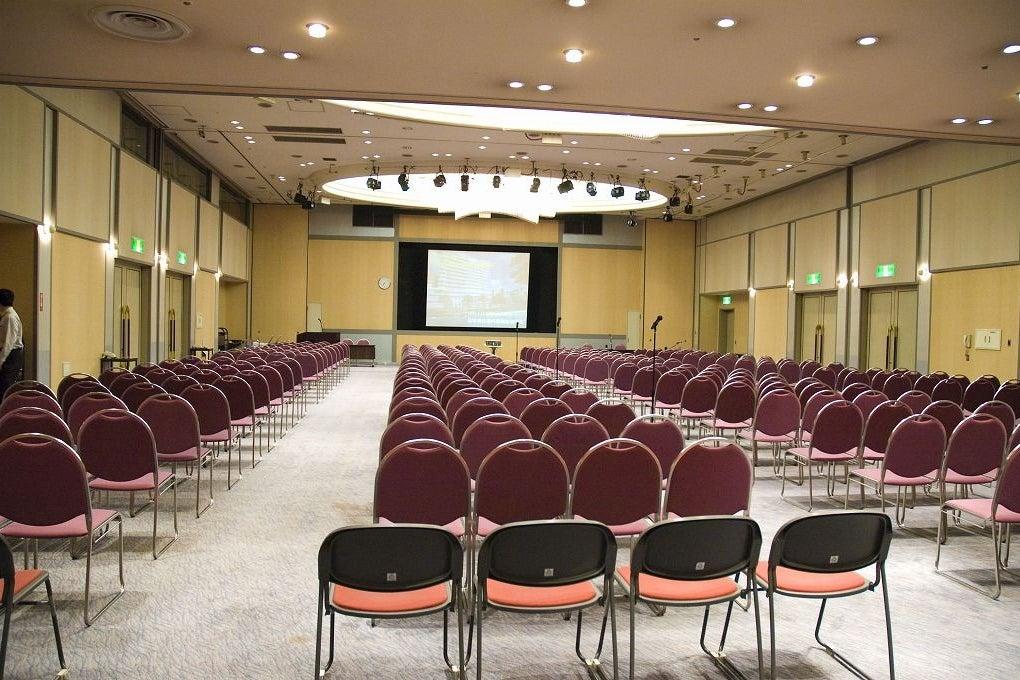 千葉 300名収容!レセプションホールで研修・イベント・パーティー! の写真