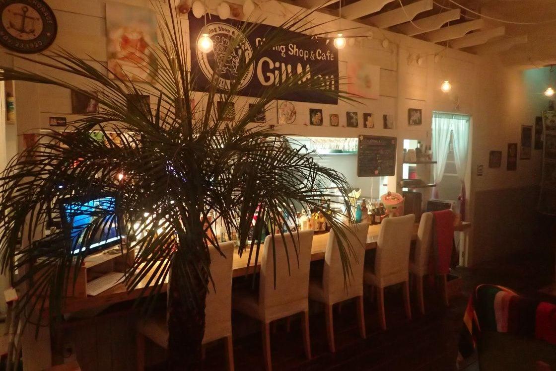 南国リゾートの様なお洒落なカフェバースペース の写真