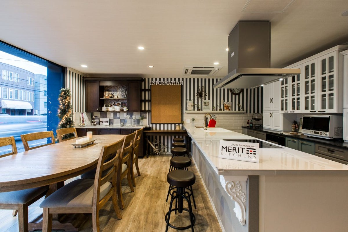 輸入キッチンがお洒落な レンタルキッチンスペース サルース の写真