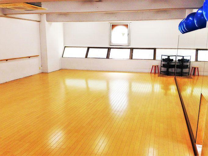 【名古屋・浄心】ダンスや各種フィットネスに最適なサンワークアウト 4階スタジオ の写真