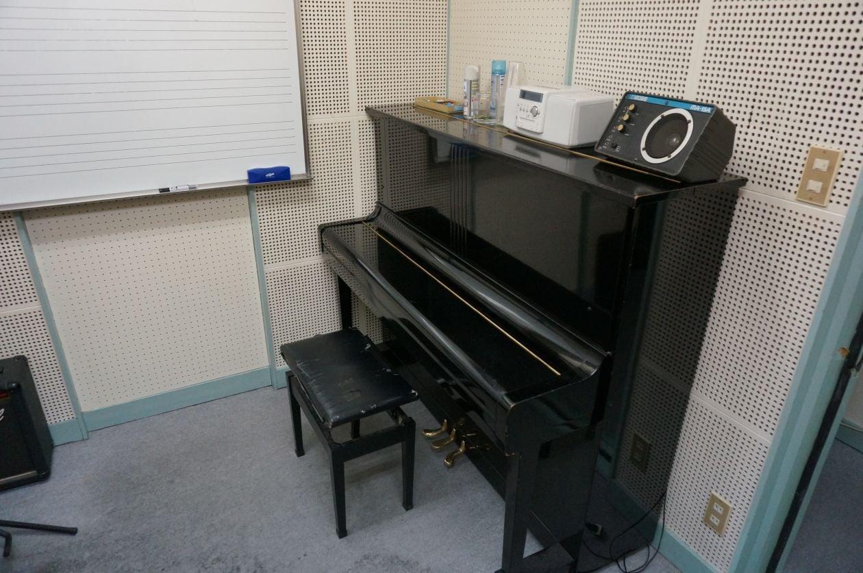 アップライトピアノ(KAWAI)