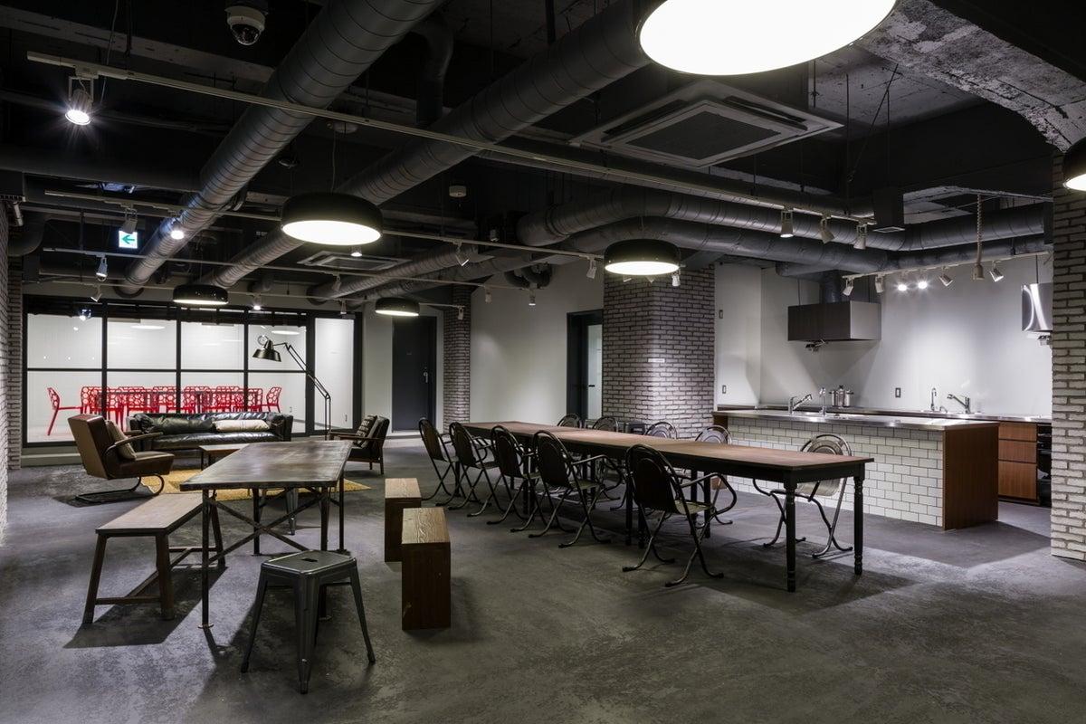【神田エリア】駅4分!ロケ撮影にも使われるキッチン付きリノベーション空間(HALL) の写真