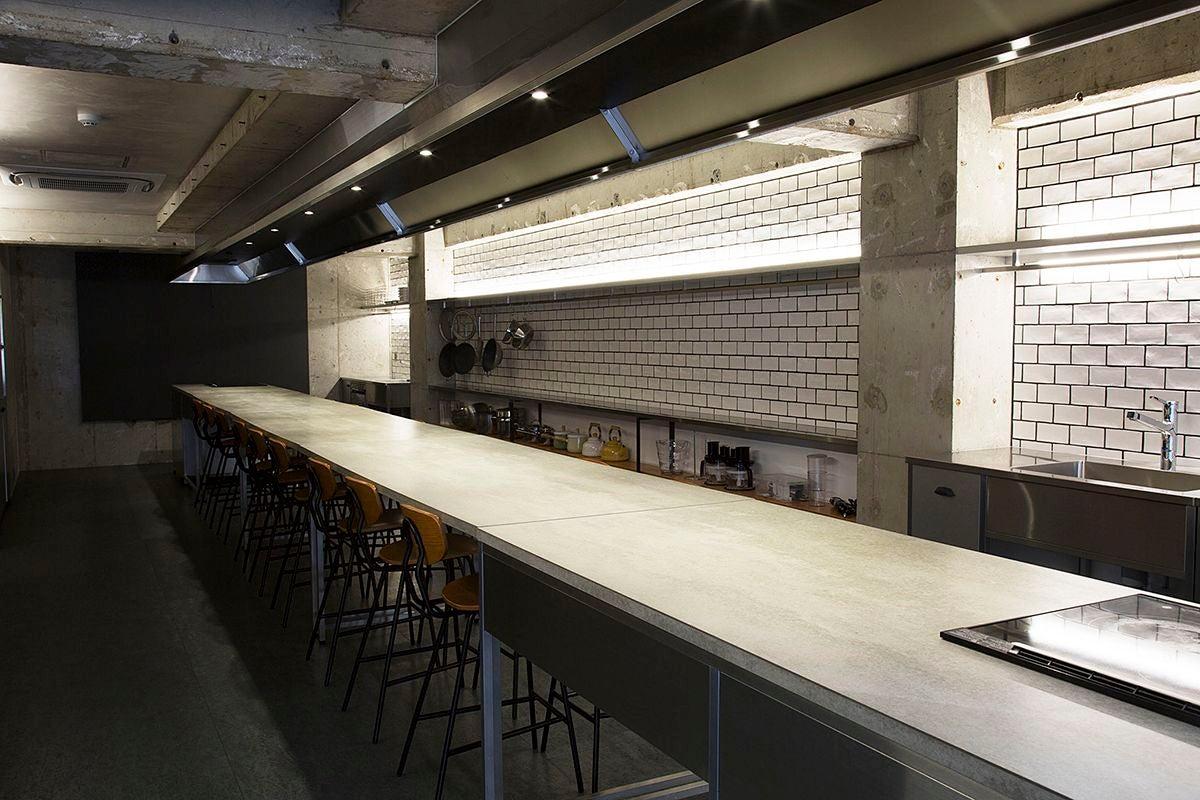 【Patia】神田駅から徒歩1分!広々とした貸切キッチンスペース。パーティーやセミナー、ワークショップに最適です。(レンタルキッチンスペースPatia(パティア)神田店) の写真0