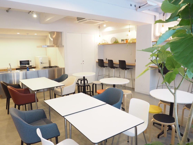 【渋谷・表参道】キッチン付き!飲食持ち込みOK/Good Morning Lounge/東京 イベント パーティー セミナー のサムネイル