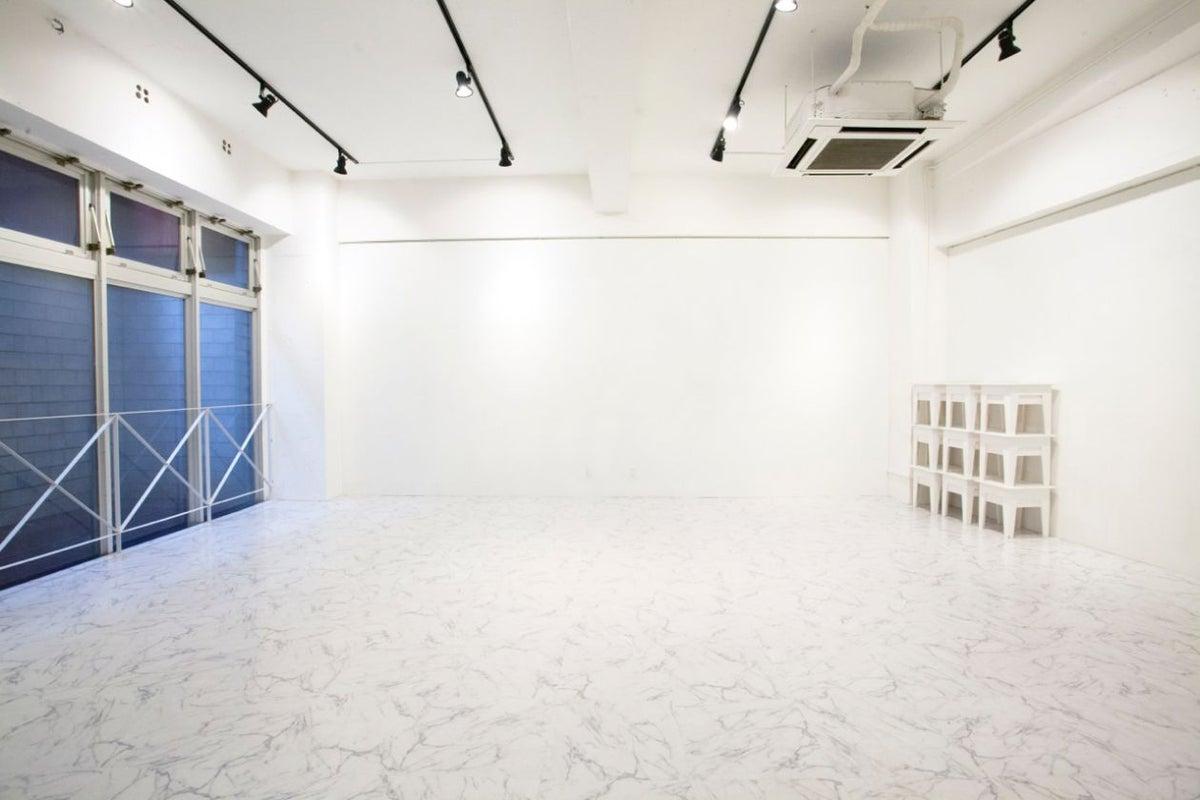 【代々木公園/代々木八幡/原宿/渋谷】撮影、展示会、試写会等に。70平米、天井高さ3.5m。 の写真