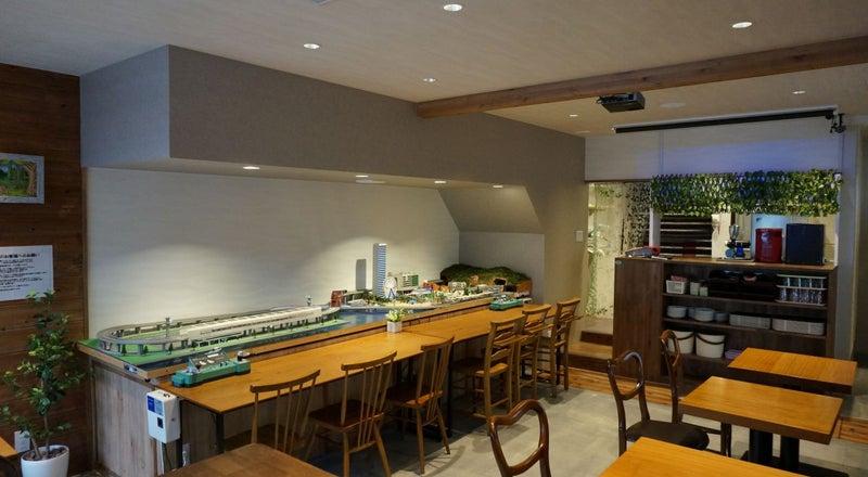 鉄道模型Nゲージのあるパーティースペース。鉄道カフェ ナイン