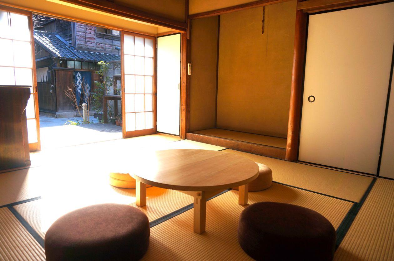 上野桜木あたり みんなのざしき の写真