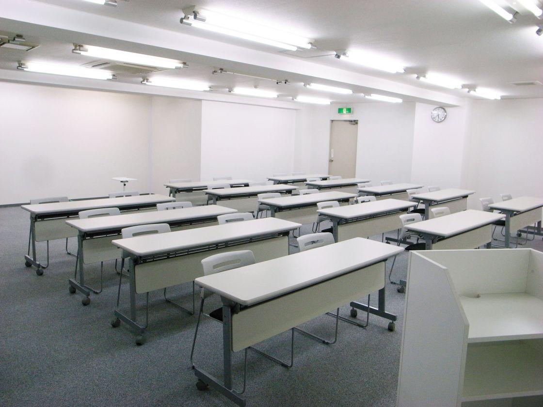 貸し会議室50名【秋葉原7分】格安・セミナールーム!WiFi+電源