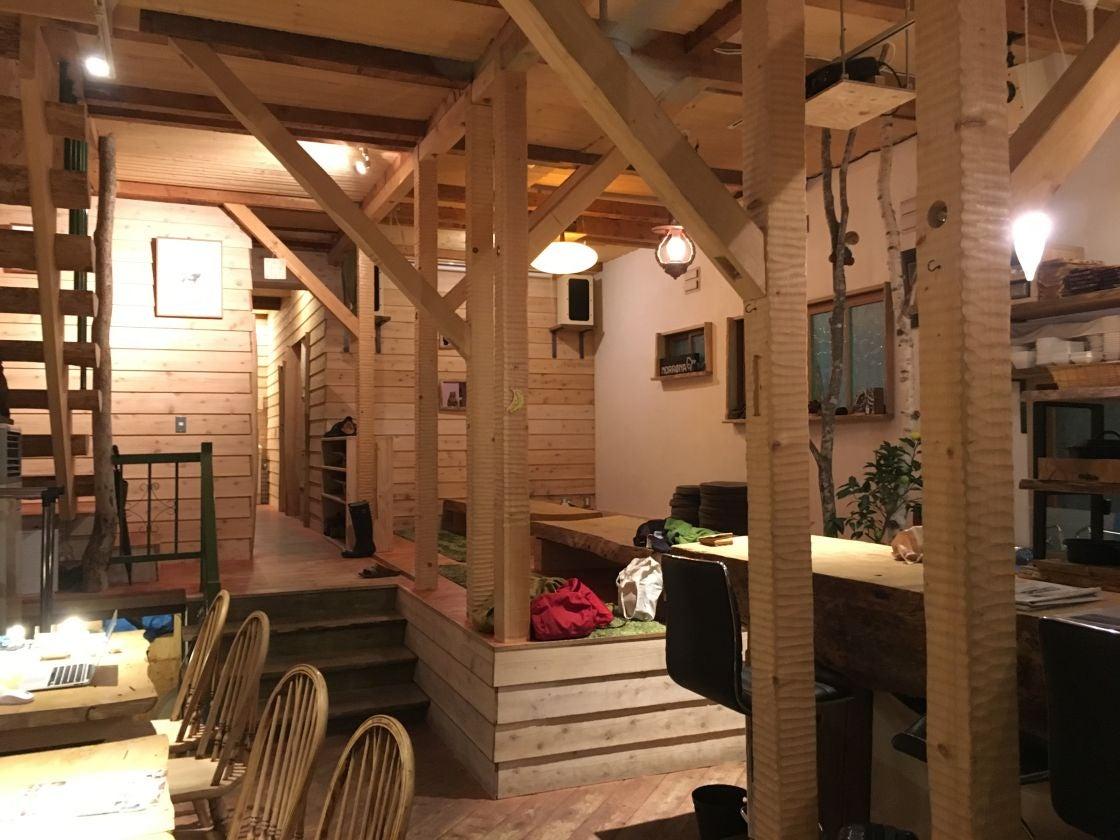 木の温もりを感じるカフェ & BARを使ってイベントやパーティーが出来る(SappoLodge) の写真0