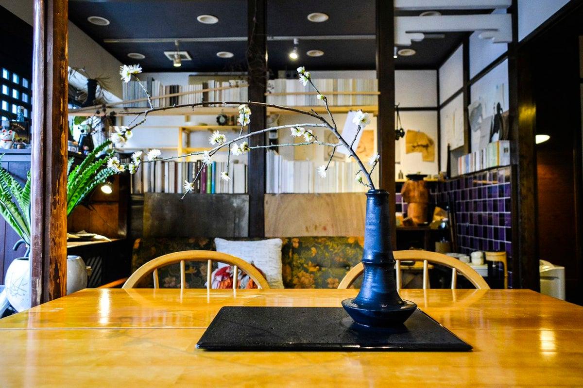 古い呉服屋を改装した喫茶サロンをイベントなどに の写真
