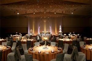 643㎡の大宴会場 「グランドホール北」各種セミナー、講演会、パーティーに最適な規模です の写真