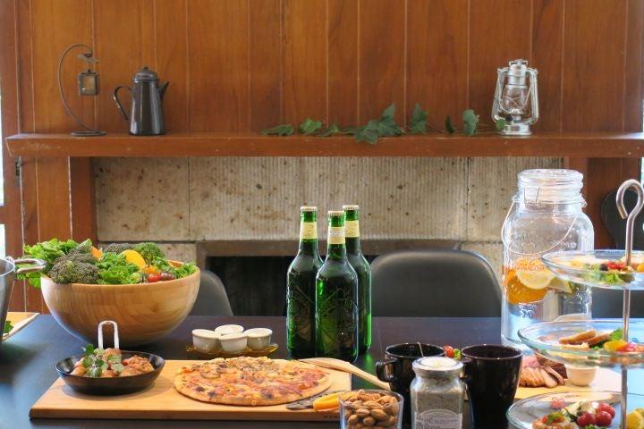 【 渋谷/代々木上原/駒場東大】パーティー・撮影・会議などに!広々リビングと大きなキッチンのあるスペースです。 のサムネイル