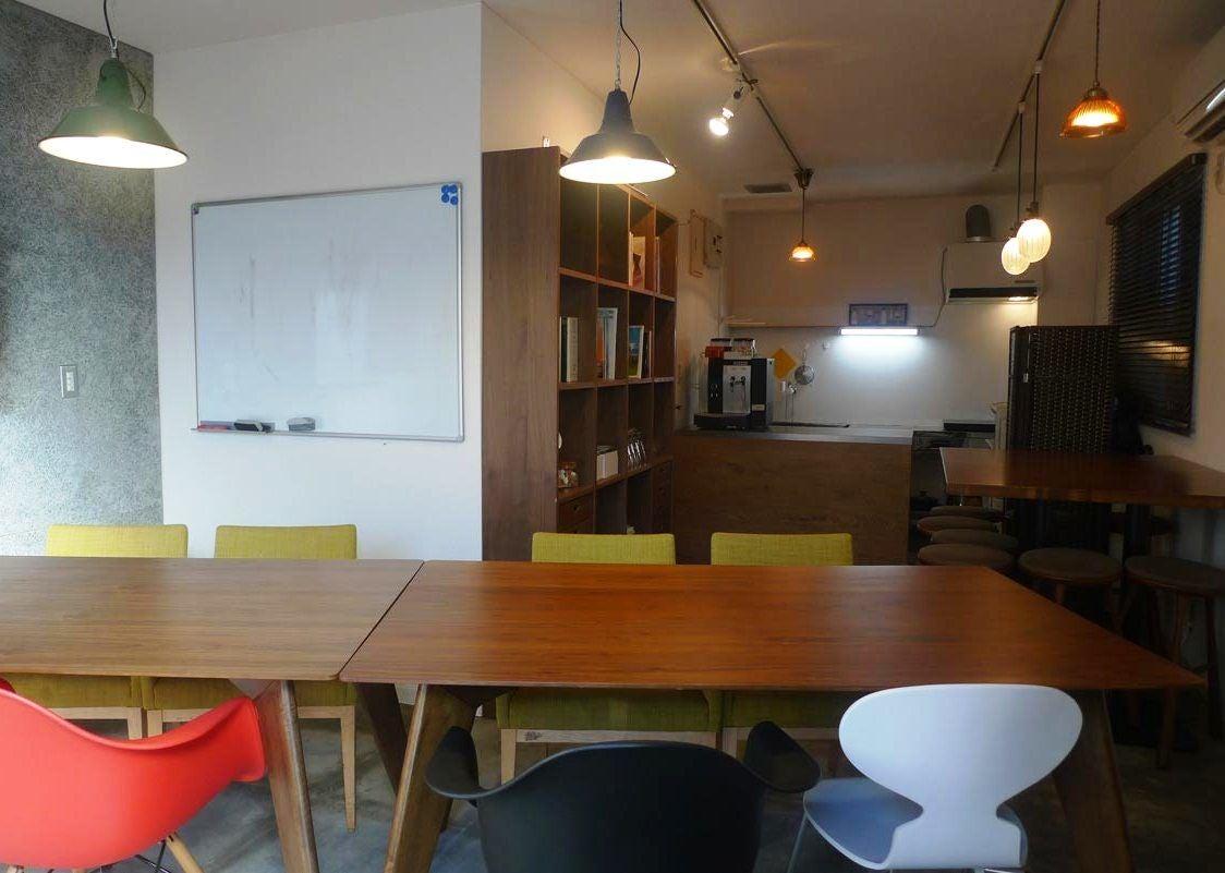 【奥神楽坂】小粋な空間を活用して、ミニパーティーしませんか?教室、会議、茶会・・・パーキングスペース(小型車、駐輪)あります! の写真