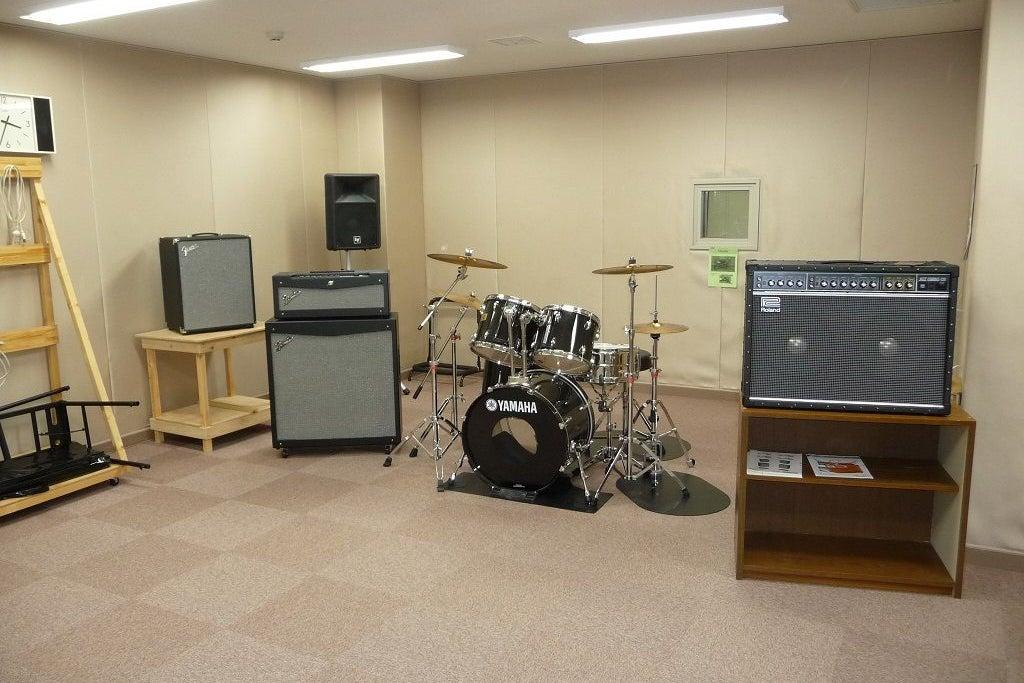 少人数で楽しめる音楽スタジオ。静かな環境で演奏、楽曲作成に取り組めます。 の写真