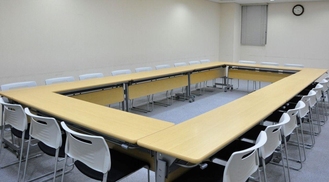 赤坂駅からすぐ!使い勝手の良いフレキシブル会議室/5階中会議室(NATULUCK赤坂) の写真0