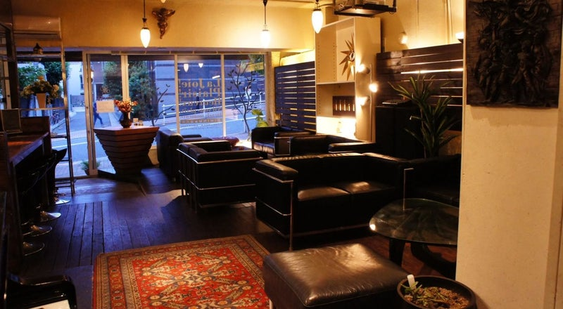 【新宿 四谷】 各種撮影に人気。レンタル撮影スタジオ、ハウススタジオ。オープンキッチン、グランドピアノもあります。