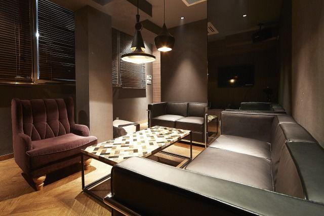 【六本木駅徒歩3分】Lounge-R スペースB【カラオケ付き!ママ会・パーティーに!】 の写真