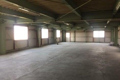 宇部市3階建事務所倉庫駐車場 の写真