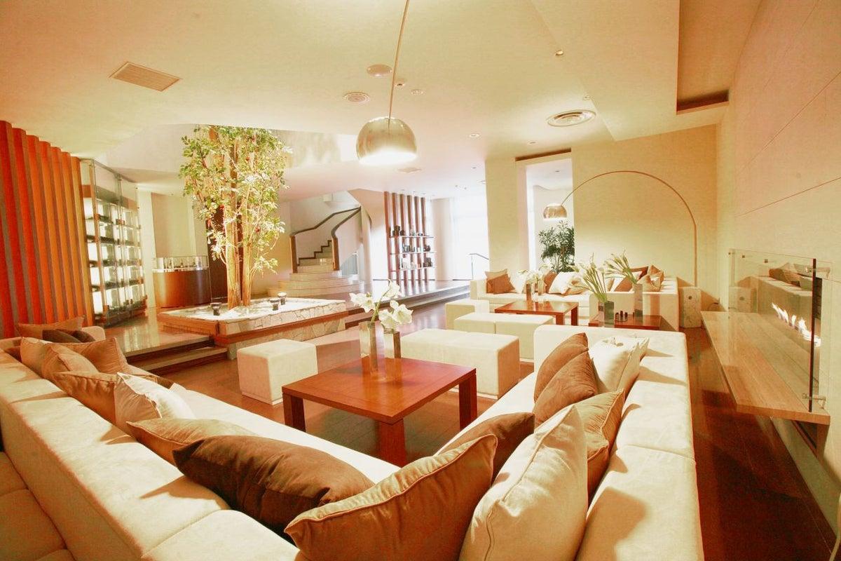 ラグジュアリーな住宅をイメージした空間を全て貸し切ってパーティーなどに の写真