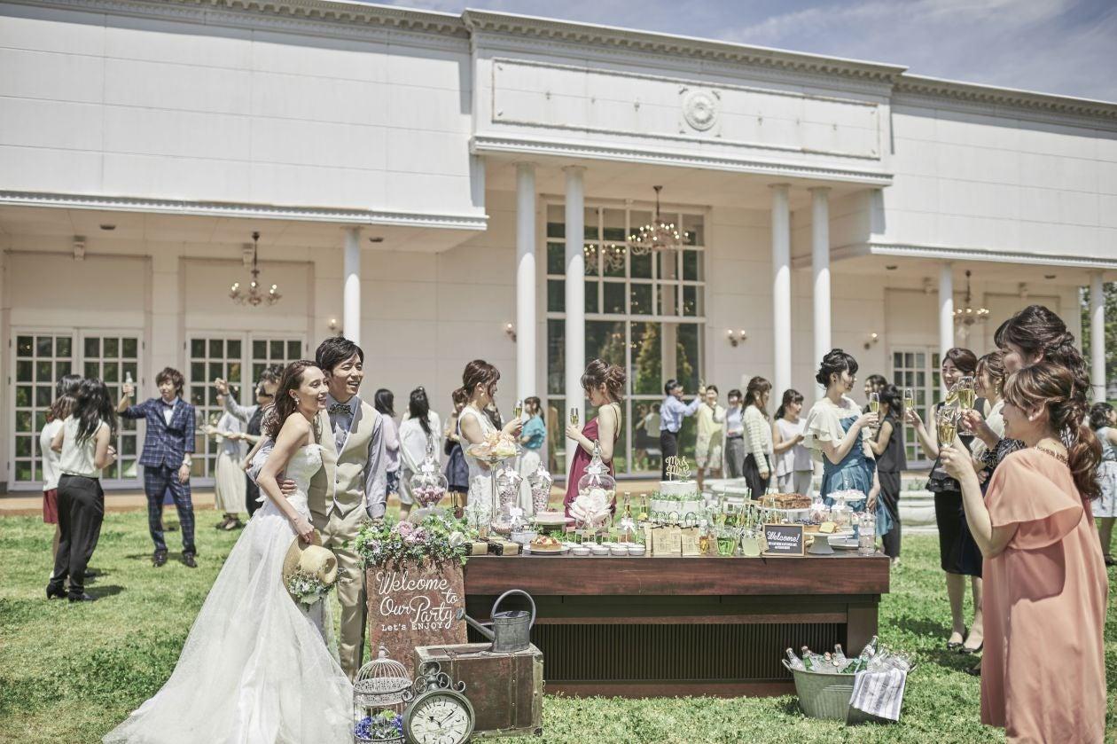 お城のような豪華な内装の結婚式場をまるごと貸し切れる(アンソレイユ盛岡) の写真0
