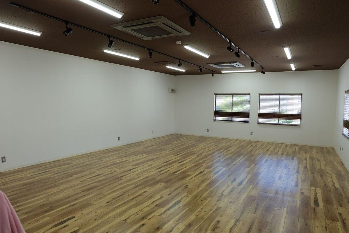 【湖山駅より車で7分】キッチンつきイベントスペース moco2階  イベント、展示、何に使うかは自由です。 の写真