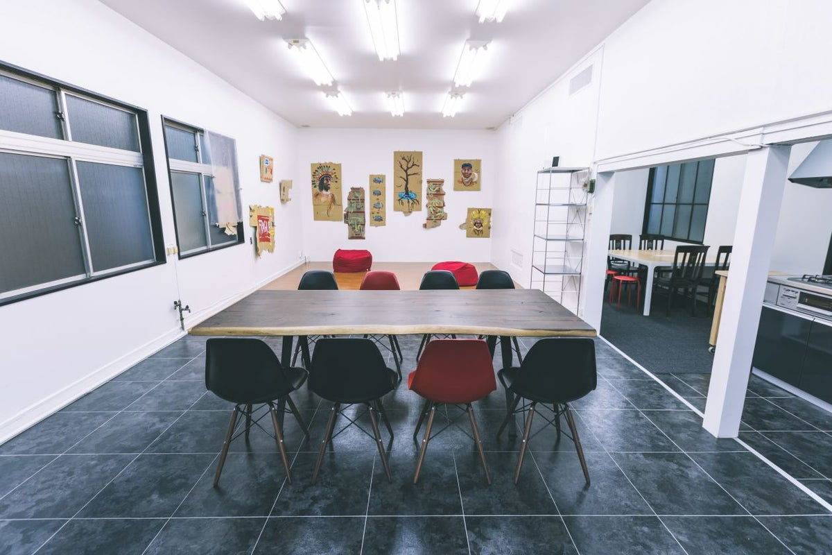 【麻布十番・白金高輪】アクセス抜群!天井高3mのお洒落なクリエイティブ空間。wifi キッチン完備 の写真