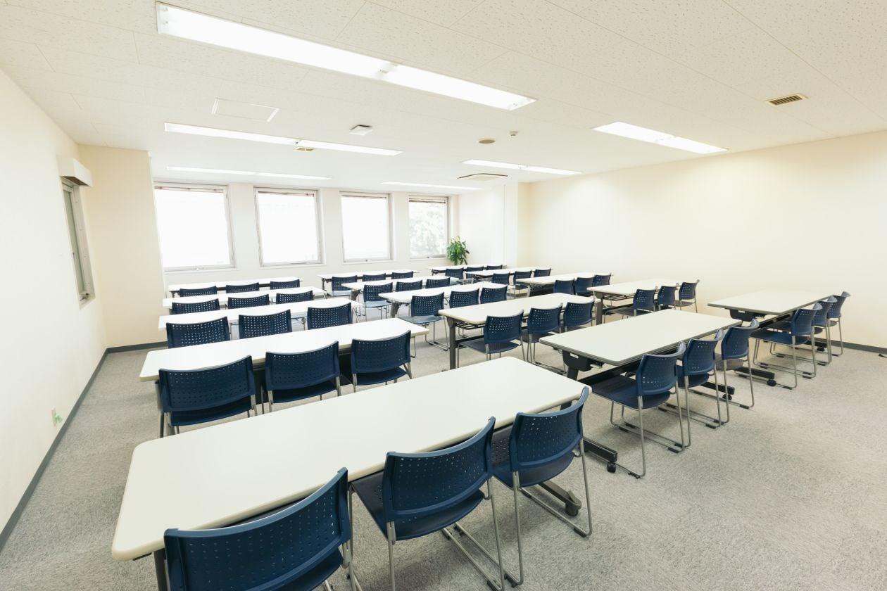 【高崎駅東口徒歩3分】研修・セミナー・教室におすすめの大規模スペースRoom3A FreeWi-Fi、フリードリンクあり。 の写真
