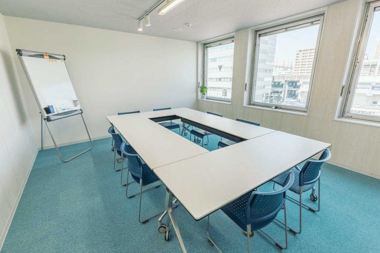 【高崎駅東口徒歩3分】会議・商談・セミナーにおすすめのスペースRoom4D FreeWi-Fi、フリードリンクあり。 の写真