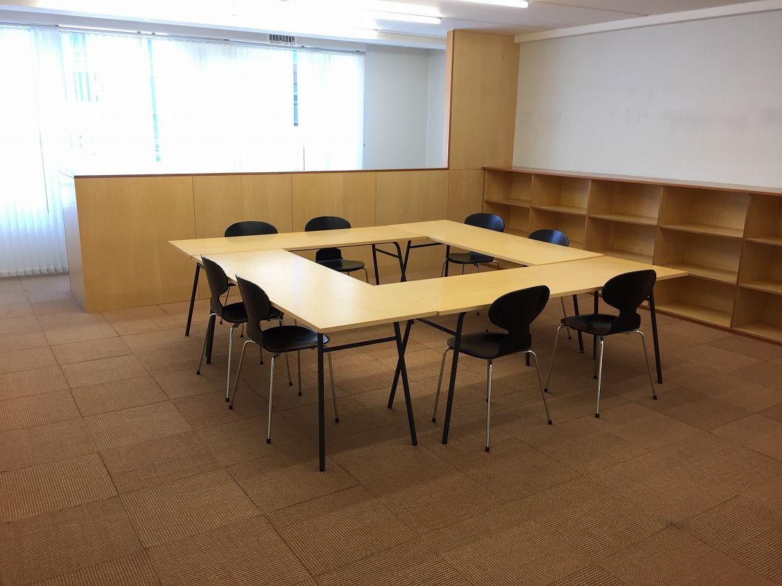 【大阪 本町】オシャレなミーティングスペース、展示会でも利用できます。! のサムネイル