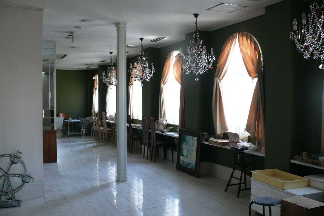 Lounge Antique Hall ラウンジ アンティーク ホール の写真